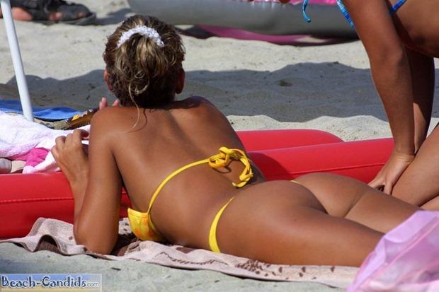 candid-beach-03